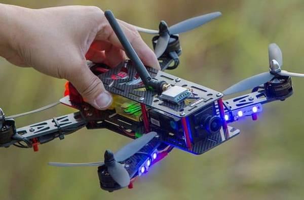 drone eachine falcon 250